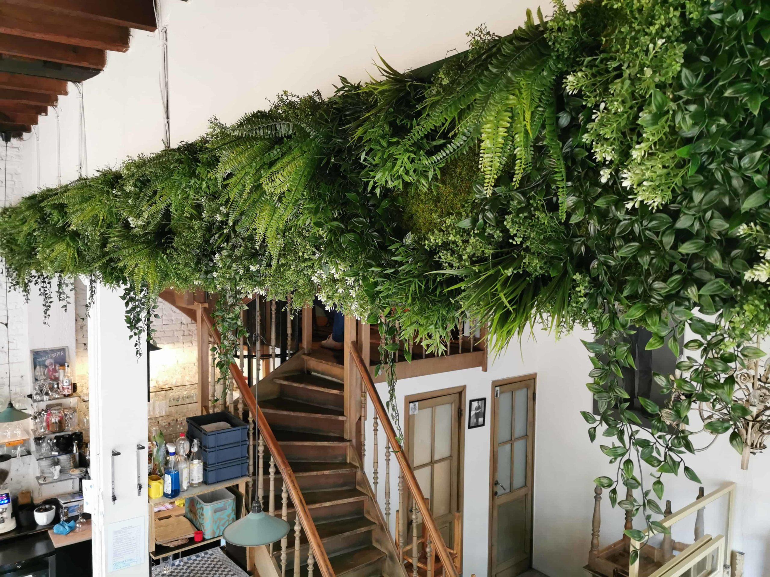 Kunstplant en mosstrook